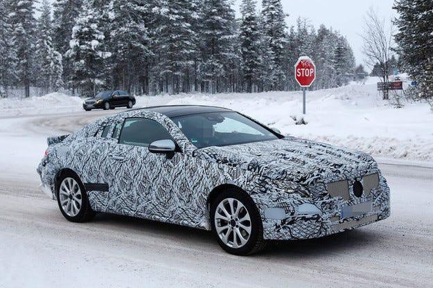 Издебнаха новия Mercedes E-класа Coupé (2017) на тестове
