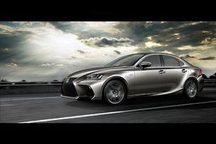 Lexus представя в Пекин обновения IS