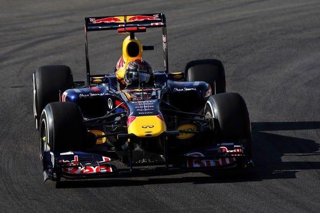 Гран при на Италия: Фетел отново отказа конкурентите си