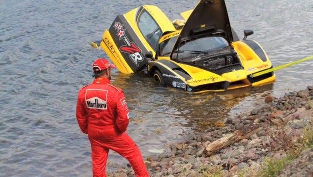 Видео: Може ли Edo Competition Ferrari Enzo да плува?