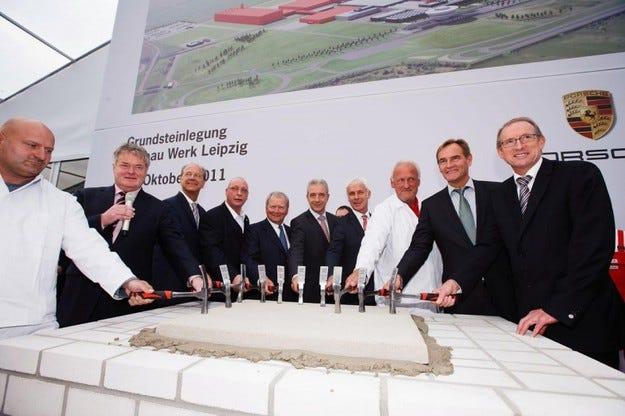 Porsche ще започне да произвежда Cajun в края на 2013