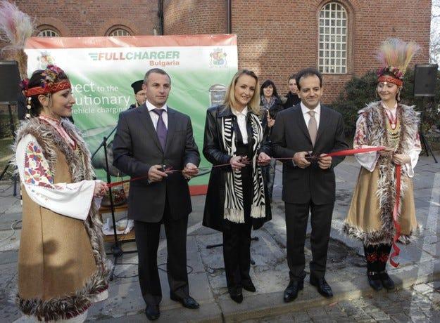 ФУЛЧАРДЖЪР България започна инсталирането на зарядни станции в София