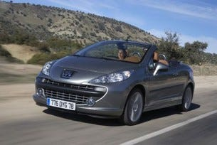 Peugeot: пет звезди за 207 CC