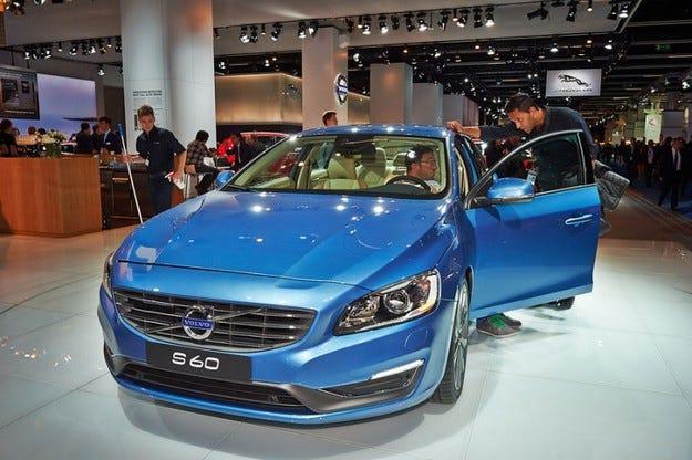 Нова фамилия дизелови и бензинови двигатели с до 306 к.с. от Volvo