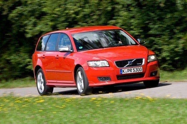 Volvo призовава собствениците на моделите S40 и V50