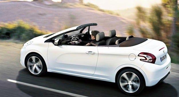 Кабриолетът Peugeot 208 ще получи мек покрив