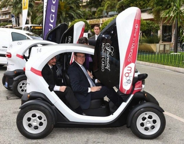 Принцът на Монако участва в автомобилен екофорум