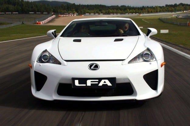 Lexus разработва новия LFA с помощта на BMW