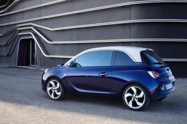 Opel ADAM се окичи с приз 'Carolina' за Най-икономична кола