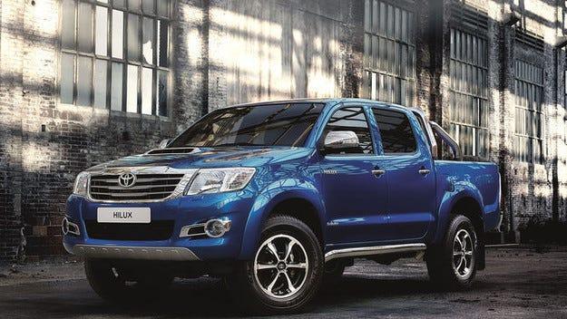 Toyota Hilux Invincible: Визуално неотразим