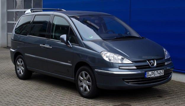 Peugeot спира производството на модела 807