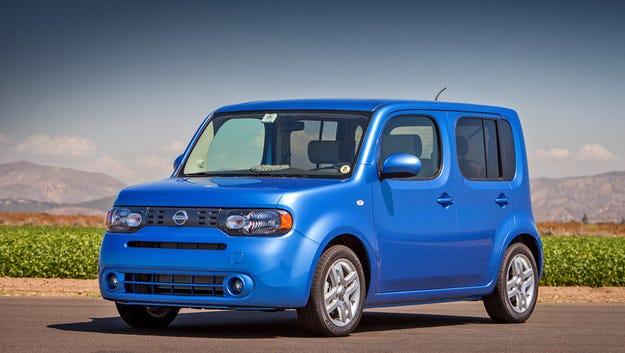 Микрованът Cube на Nissan безславно отива в пенсия