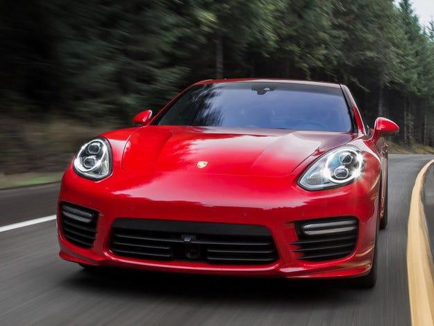 Компанията Porsche отложи производството на Pajun