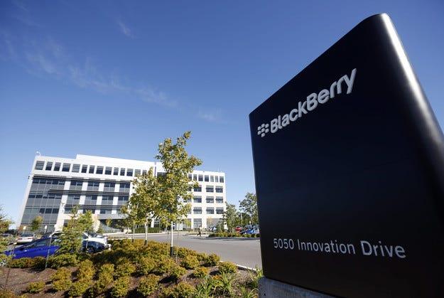 Volkswagen купи центъра на Blackberry в Германия