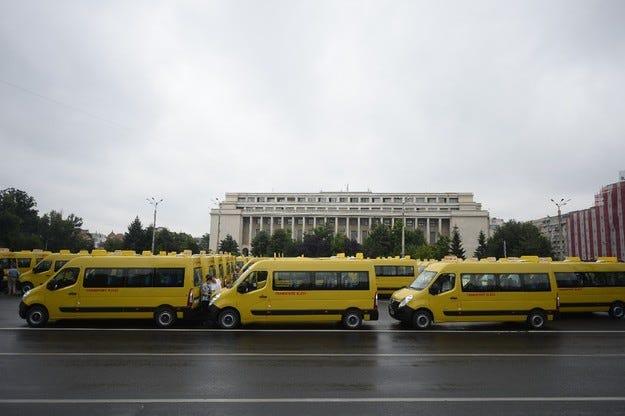 Opel Румъния: 600 буса Movano за учениците