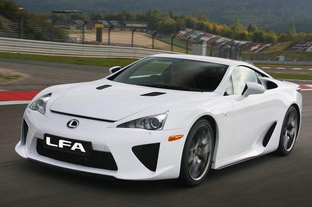 Lexus сe отказва да разработва нов модел LFA