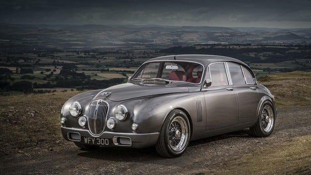 Ретро моделът на главния дизайнер на Jaguar на конвейера