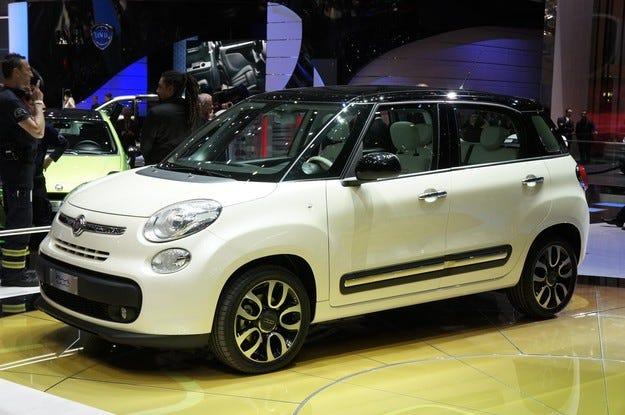 Fiat спира временно производството на 500L в Сърбия