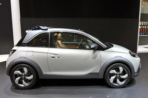 Новият Opel Adam Rocks: Модният диктатор