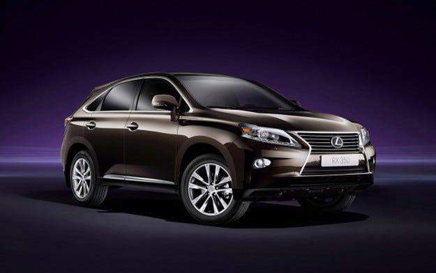 Toyota отзовава 20 000 автомобила заради масов дефект