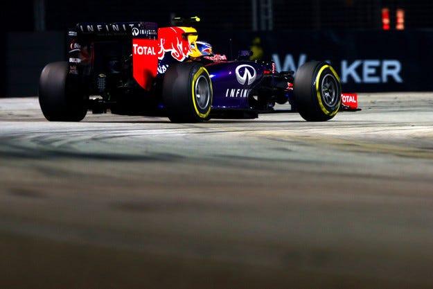Red Bull е използвал кодирани съобщения за Рикардо