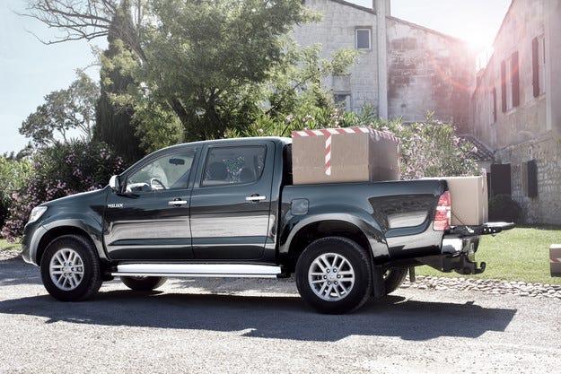 Toyota Hilux: Нищо не може да го спре
