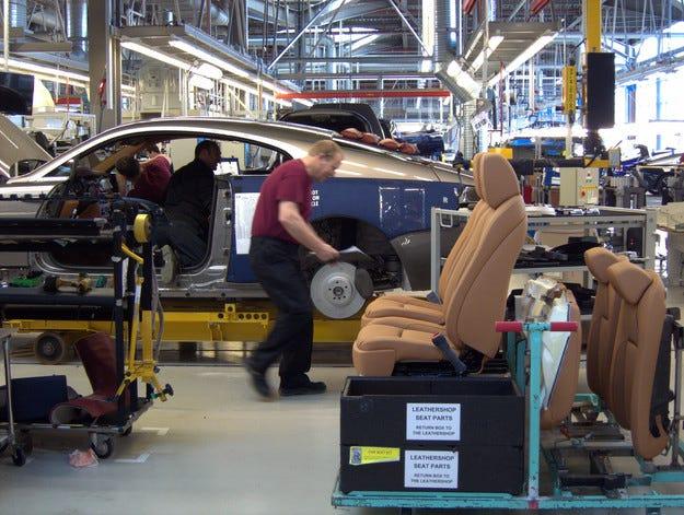 Rolls-Royce назначи 100 нови служители