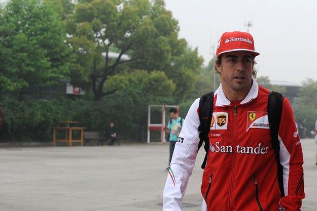 Алонсо си тръгва от Ferrari в края на годината
