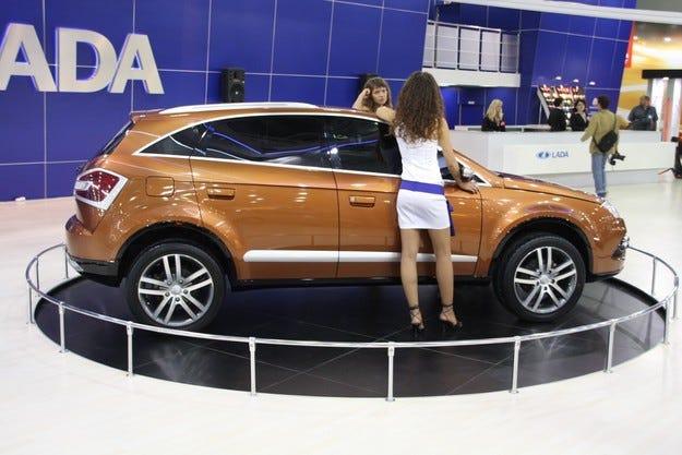 С 20,1% спад на продажбите на нови коли в Русия