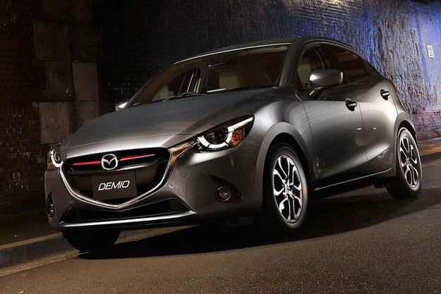 """""""Автомобил на годината"""" в Япония стана Mazda2"""
