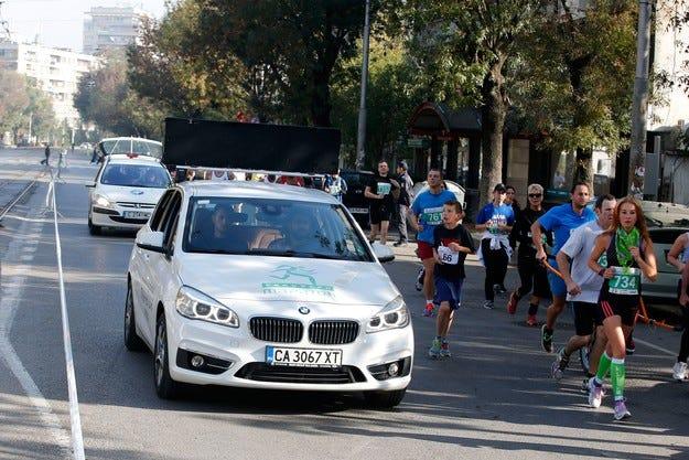 Над 2000 участника водени от BMW Серия 2 Active Tourer взеха участие в Маратон София 2014