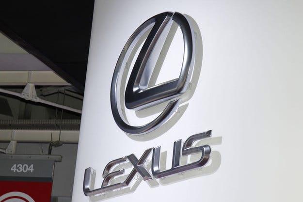 Toyota и Lexus отзовават 1,75 милиона автомобила: Отново проблеми
