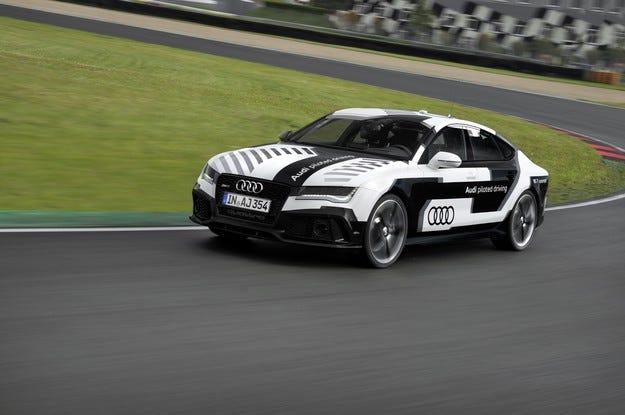 Audi пуска на пистата най-спортния автономно пилотиран автомобил в света