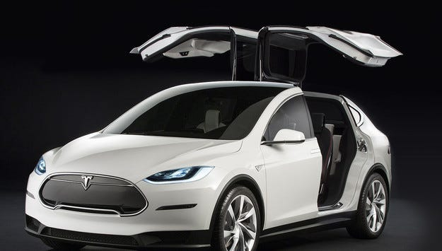 Tesla отложи производството на кросоувъра Model X