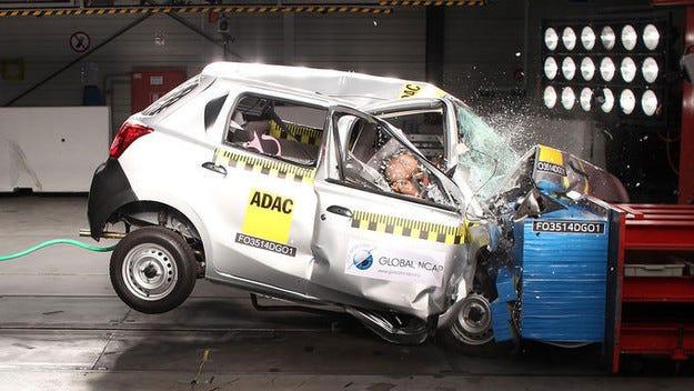 Индийските автомобили нямат никаква защита