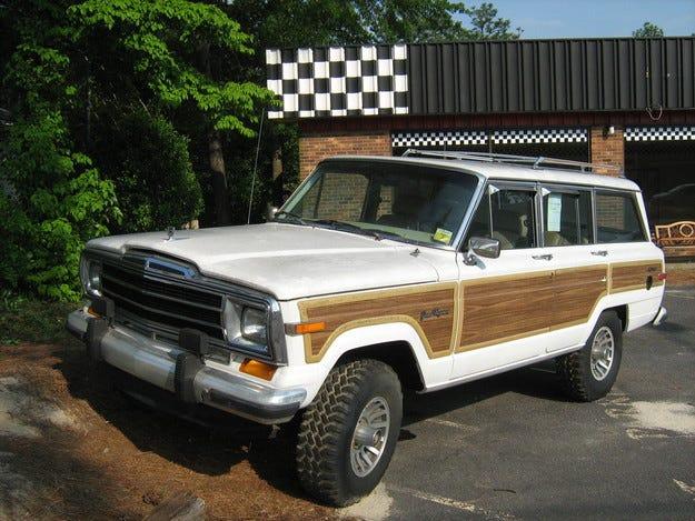 Jeep ще възроди легендарния модел Grand Wagoneer