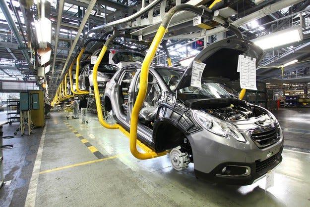 През 2015 Peugeot ще съкрати 2450 работни места