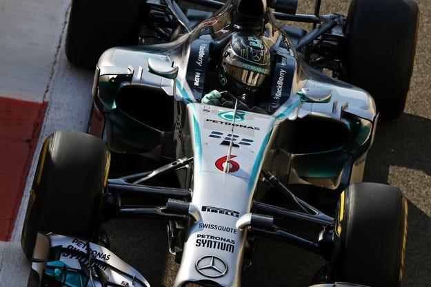 Гран при на Абу Даби: Розберг спечели първата битка с Хамилтън