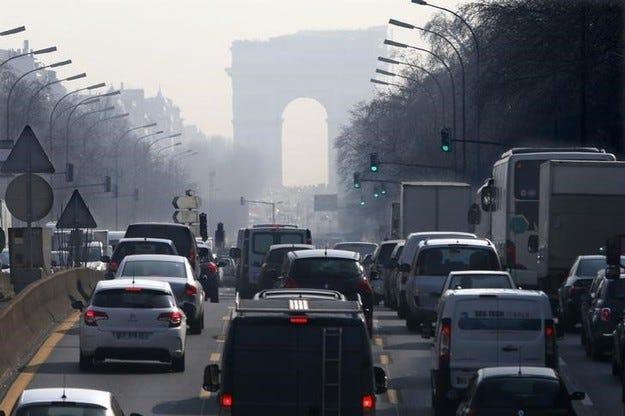 Франция ограничава постепенно дизеловите коли