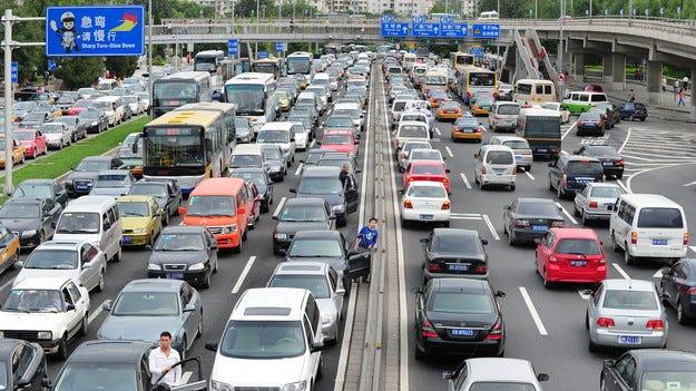 Автомобилният парк на Китай наброява 150 млн. коли
