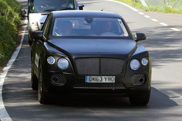 Bentley планира да пусне няколко кросоувъра