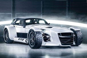 Показват Donkervoort D8 GTO Bilster Berg Edition