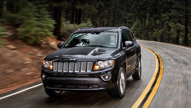 Кросоувърите Jeep Compass и Patriot стават един модел