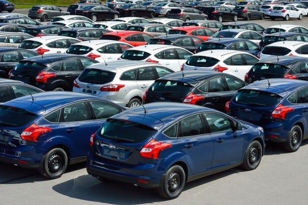 Руският автомобилен пазар през февруари се срина с 38%