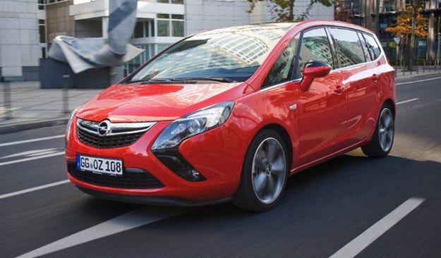 Новото поколение Opel Zafira ще бъде повече кросоувър