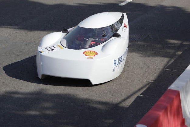 Студенти от Русе ще представят футиристичен автомобил