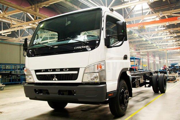Mitsubishi Fuso спря производството на камиони в Русия