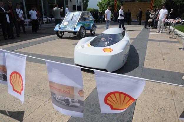 Българските участници в Shell Eco-Marathon със свой химн