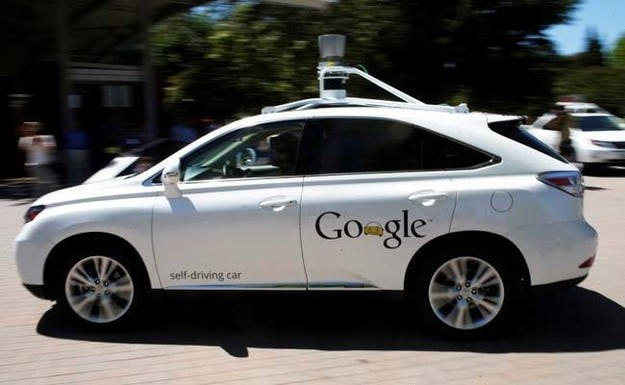 Автономни автомобили Google участвали в 11 произшествия
