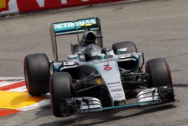 Гран при на Монако: Mercedes подари победата на Розберг